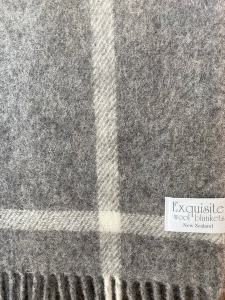 Natural Collection 100% Lambs Wool Windowpane Grey Throw.