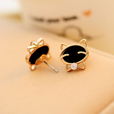 Attractive Black Cat Stud Earrings