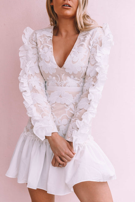 products/loreta_white_dress_ruffles.jpg
