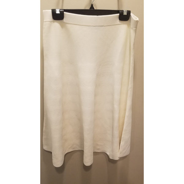 Romeo & Juliet Ladies fit n flair knit skirt