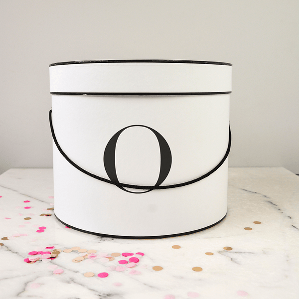 The Classic - Round gift box black and white | Livvy + Harry
