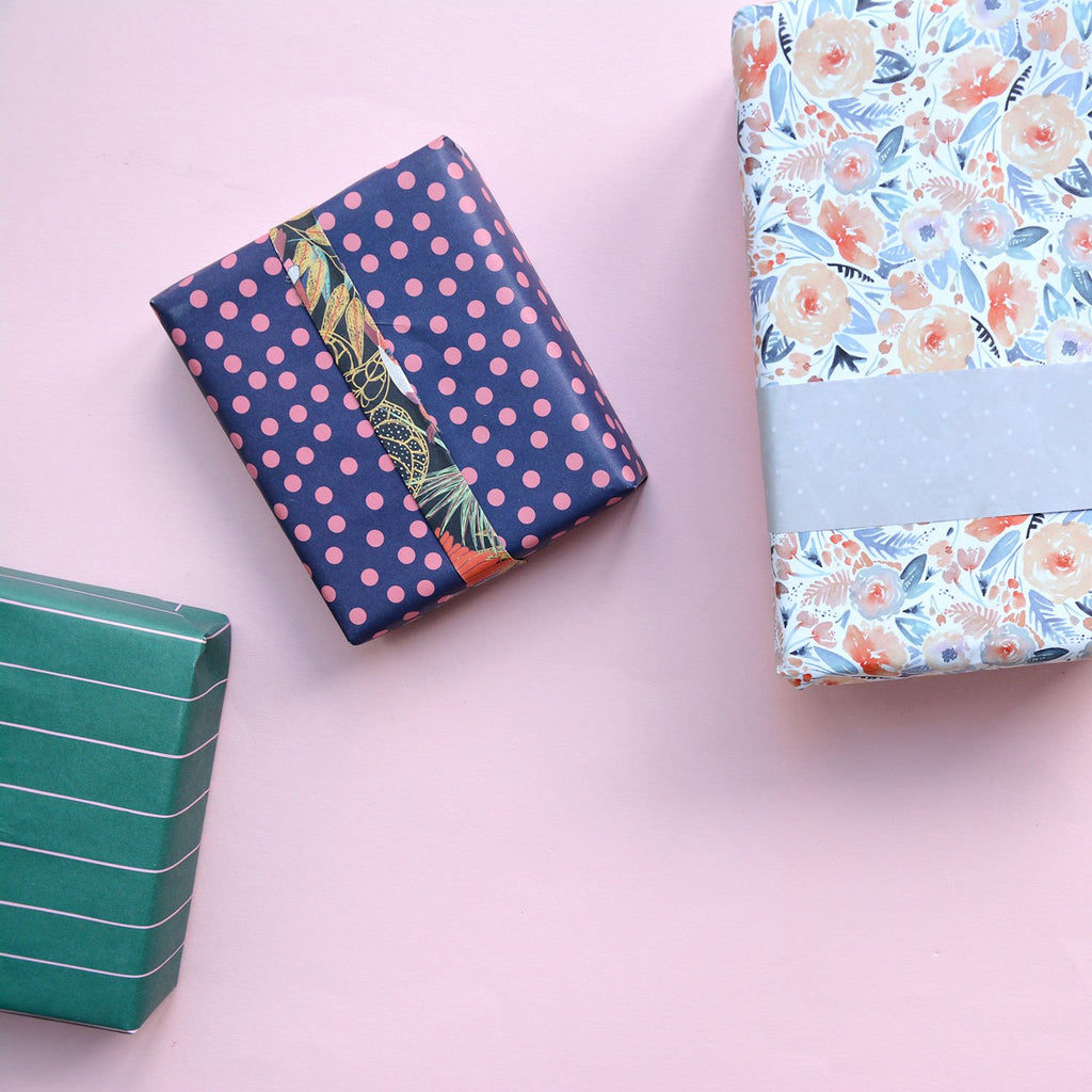 Gift wrapping | Livvy + Harry