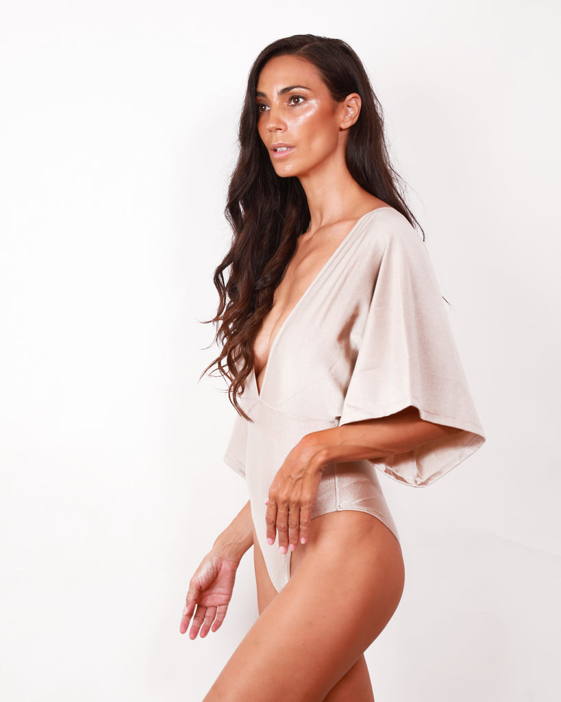 NAHLA MAILLOT NUDE