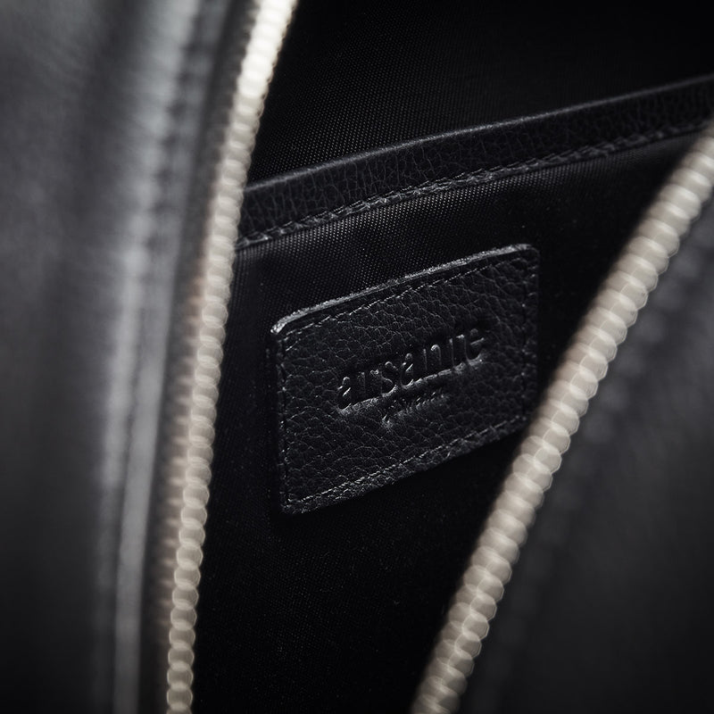 handmade luxury leather briefcase classica interior details