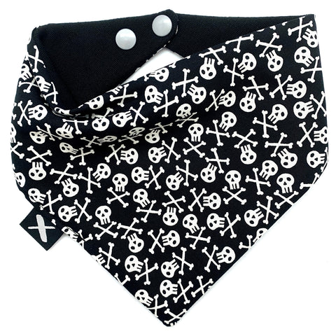 'PIRATE SKULLS' Bandana Bib