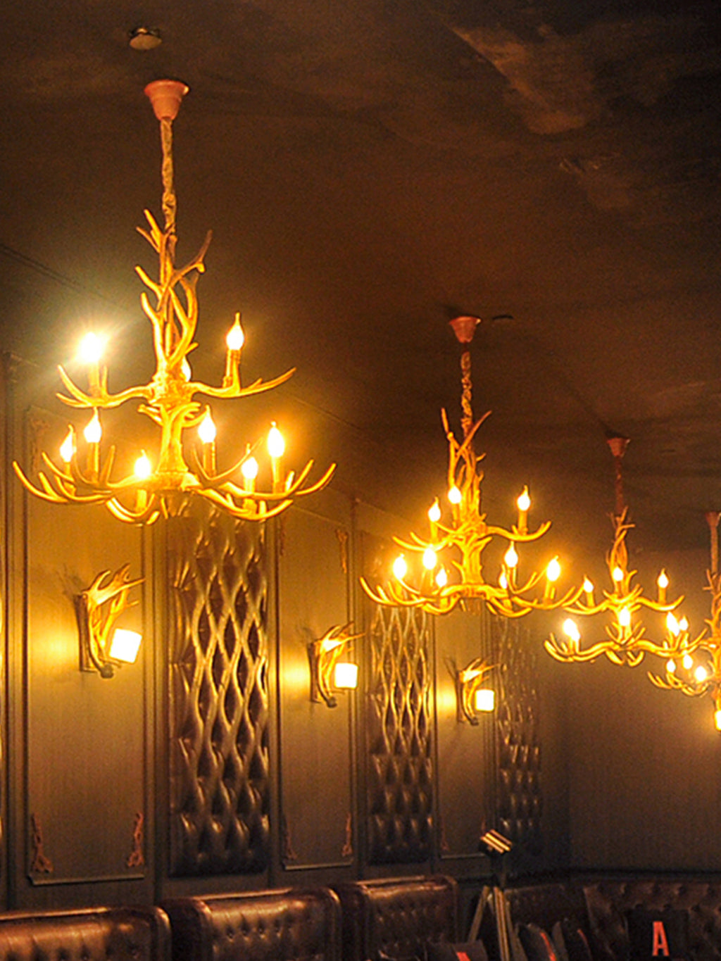 Chandeliers - Antler Horns