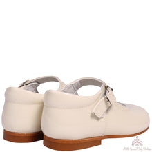 Load image into Gallery viewer, Bambi Leather Shoes Beige