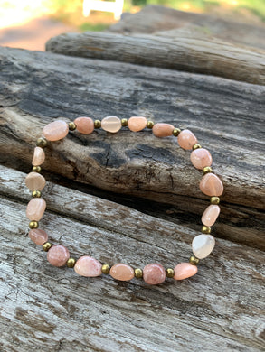 Gemstone stretch bracelet (Sunstone)
