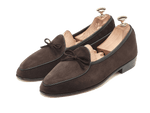 Sagan Classic String in Lusitanias Dark Brown Suede