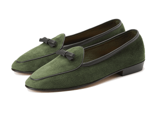 Sagan Classic Bow in Grenouille Green Asteria Suede
