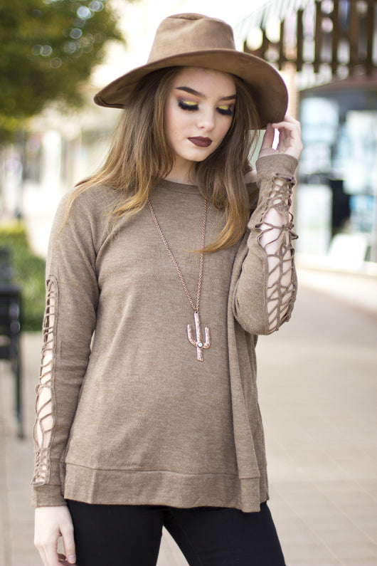 LESLEY LACE SLEEVE TOP