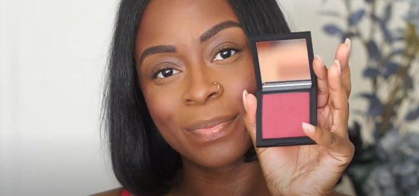 Mented Mentor Antonia Shows Us How to Apply Blush