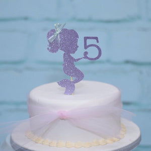 Cake with mermaid cake topper with number 5