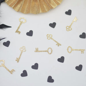 Black hearts and gold key sparkle confetti