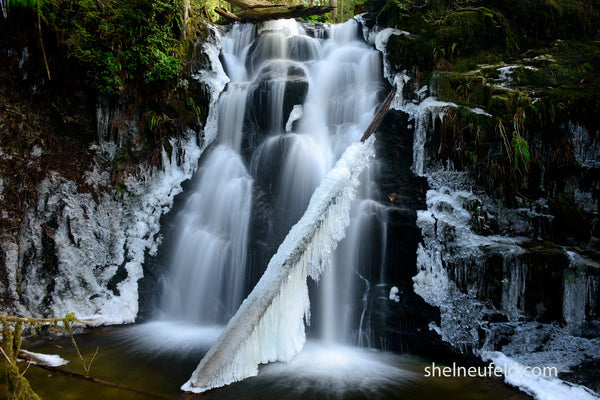 Icey Waterfall photography taken by Roberts Creek, British Columbia by Canadian photographer Shel Neufeld