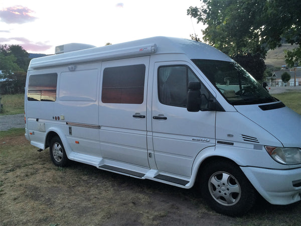 Dodge Sprinter motorhome with Fiamma awning