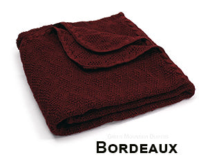 Disana knit blanket bordeaux
