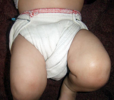 twist fold red edge diaper