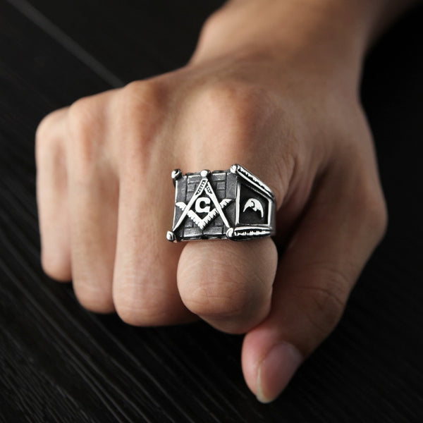 Sun & Moon Masonic Ring on hand