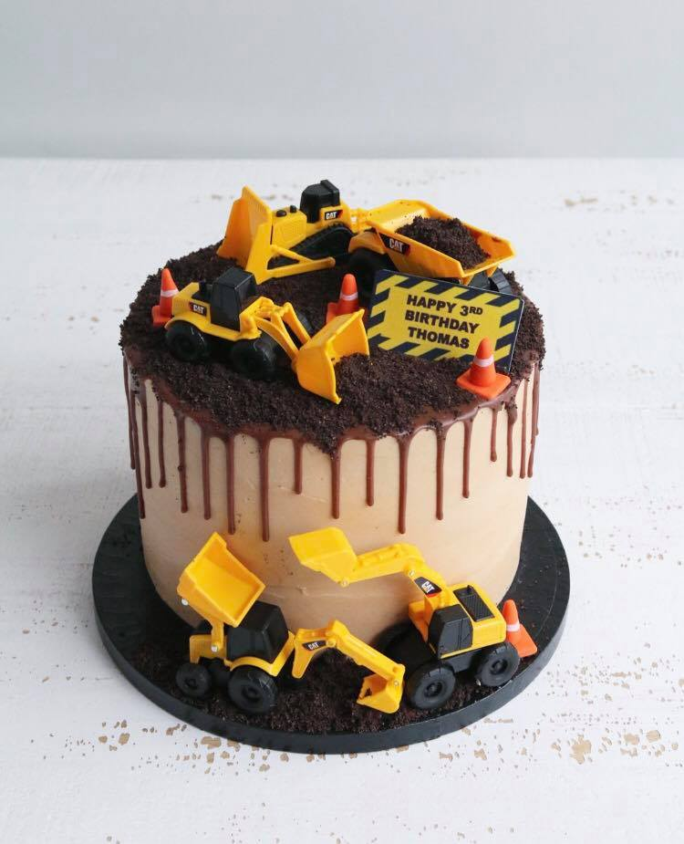 Remarkable Kids Birthday Cakes Claygate Surrey Afternoon Crumbs Funny Birthday Cards Online Necthendildamsfinfo