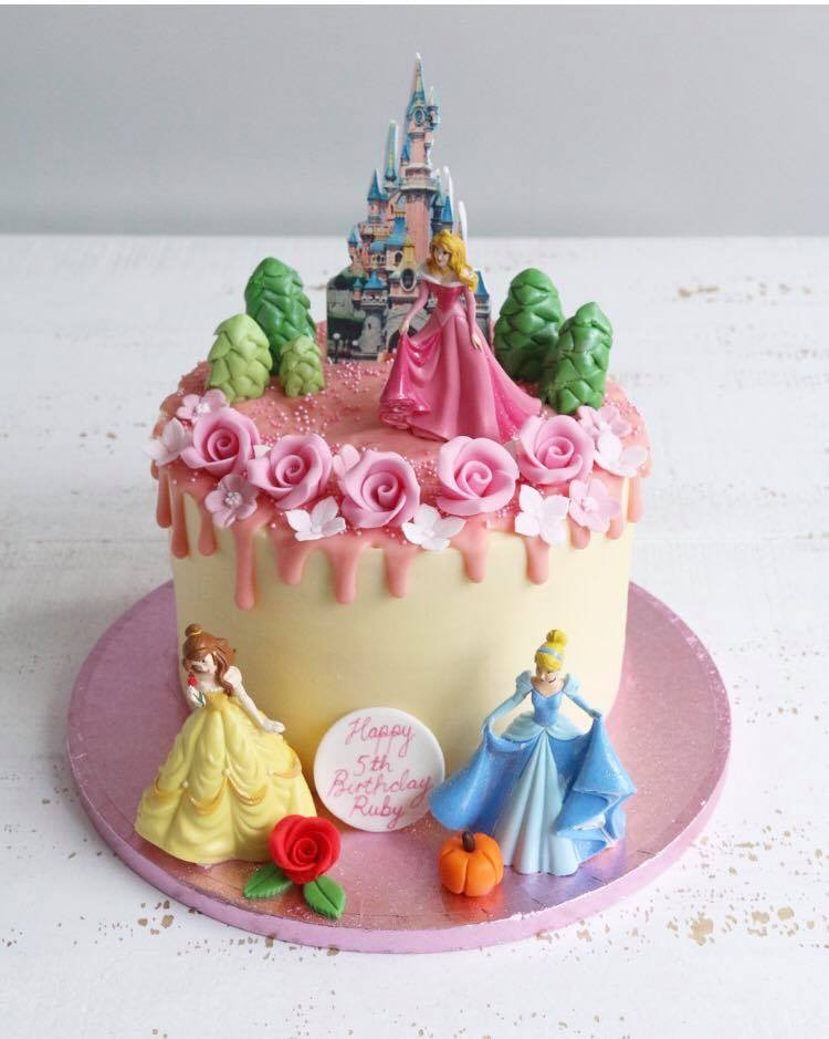 Disney Princess Drip Cake with Belle, Cinderella and Sleeping Beauty