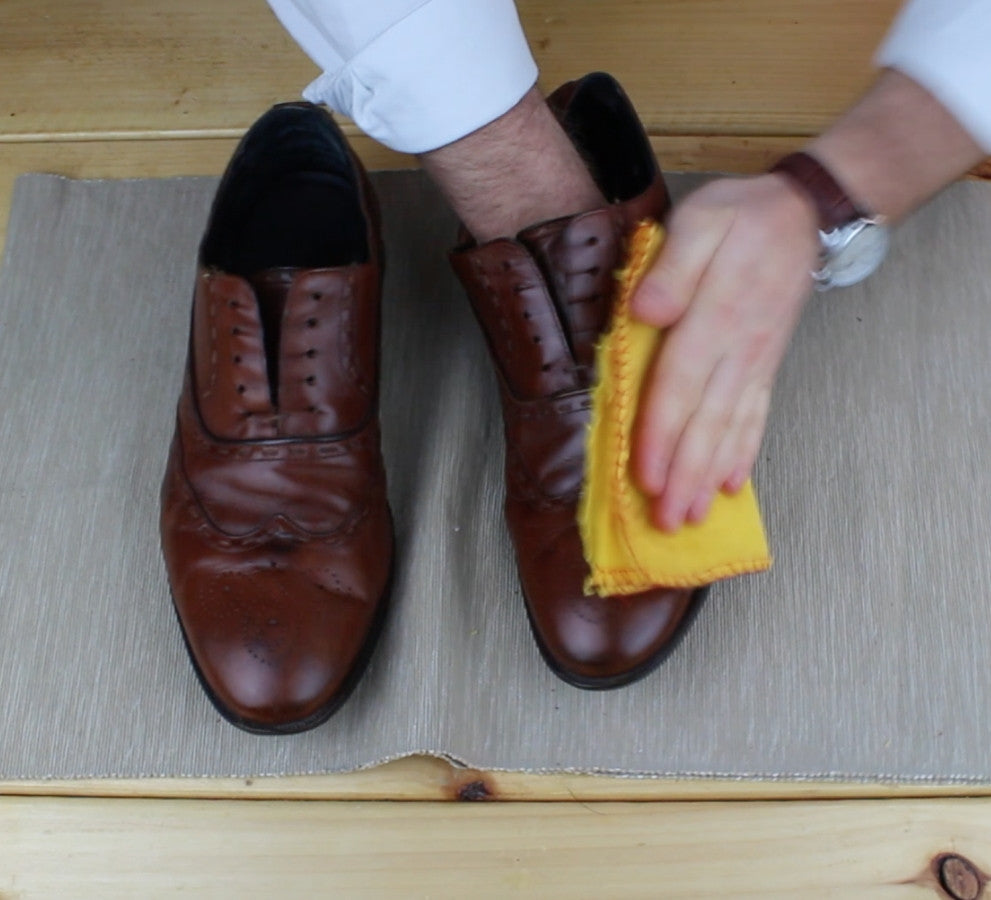 Step Four - Mens shoe polishing guide - Men's Accessories