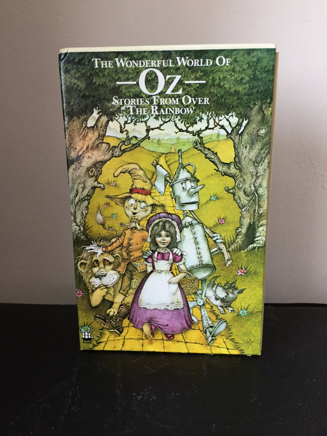 The Wonderful World of Oz. Stories From Over The Rainbow. 4 volume box-set