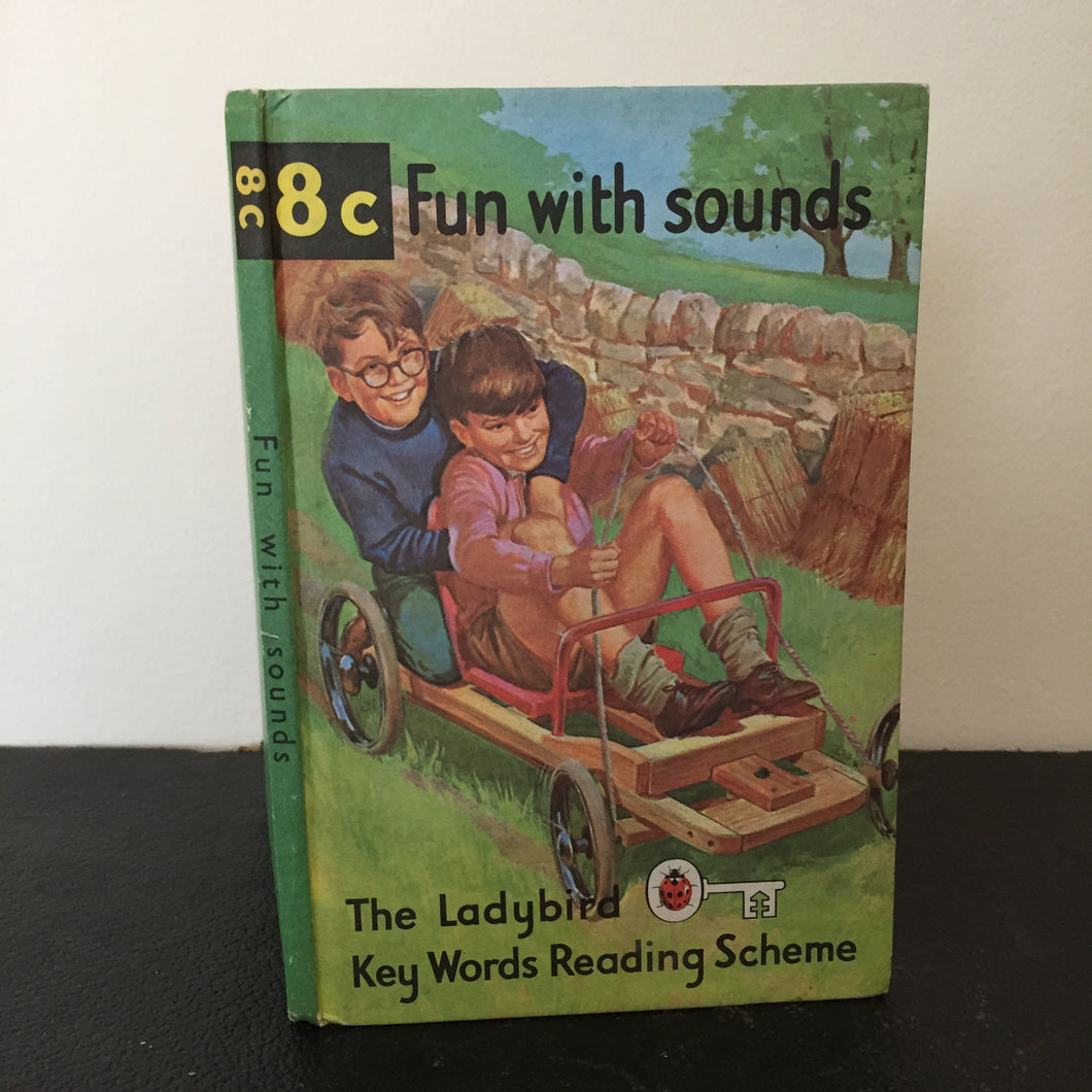 Book 8c. The Ladybird Key Words Reading Scheme. Fun with sounds.