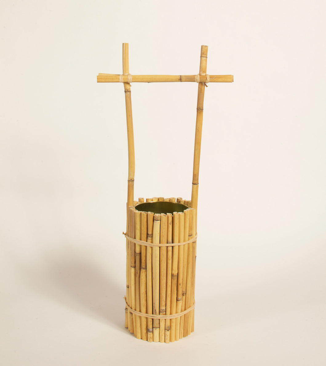 Wabi Vase in Wide Rattan
