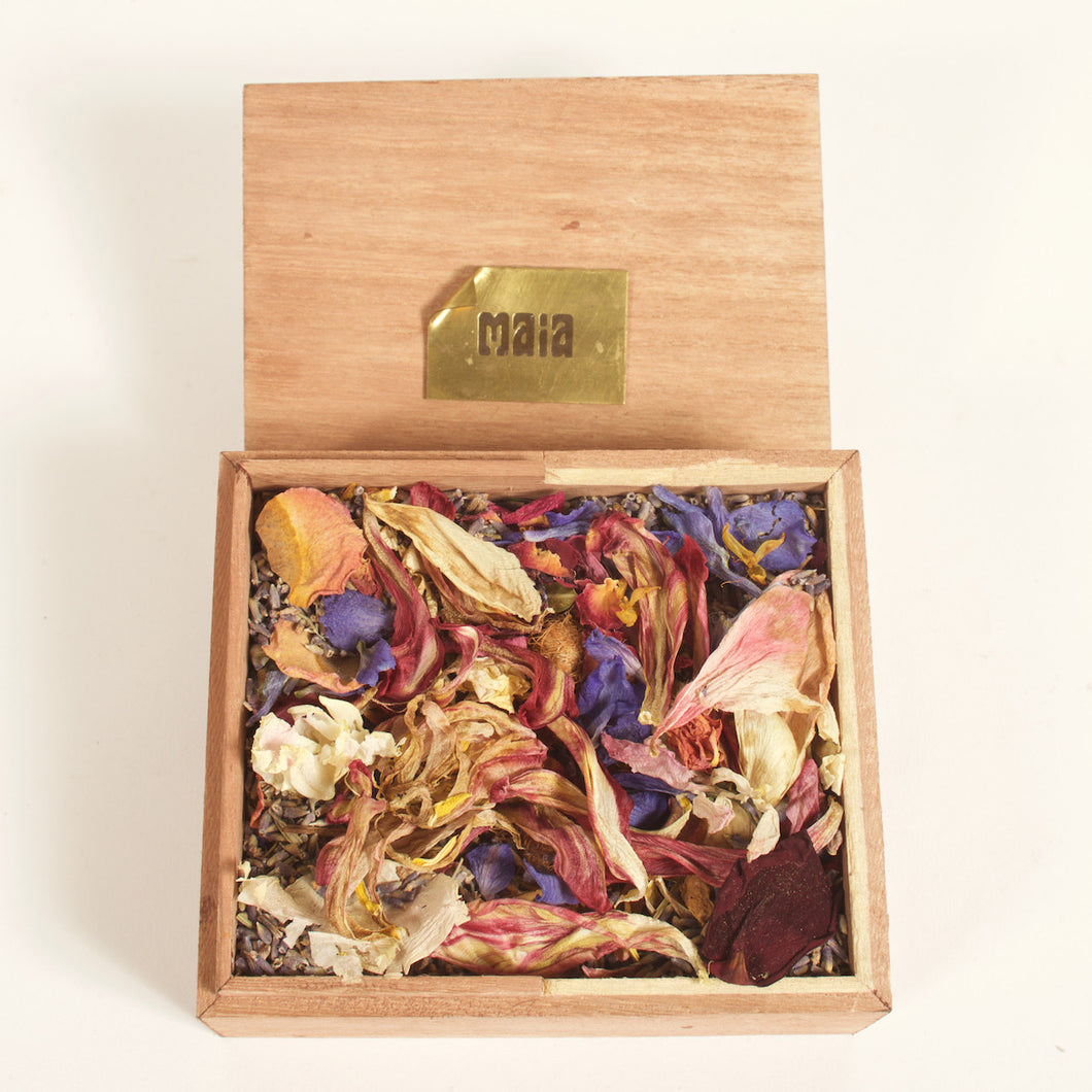 Wood Box Retaining The Scent of Maia The Best Pot Pourri