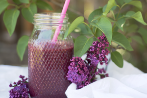 smoothie with flowers