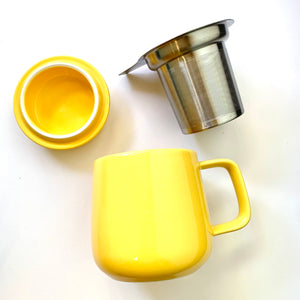 ceramic tea mug with infuser, yellow
