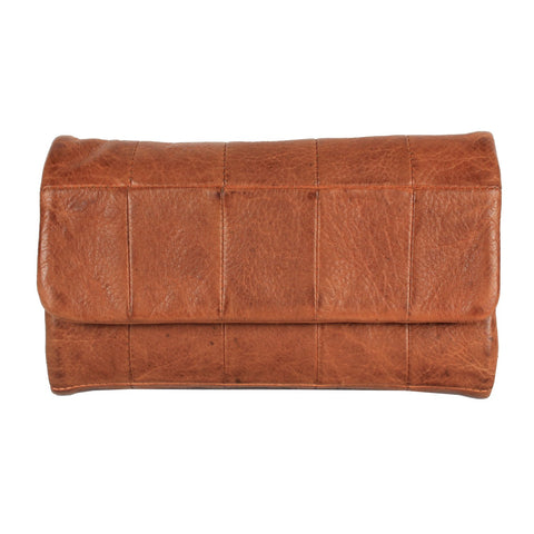 Cort Clutch in Cognac