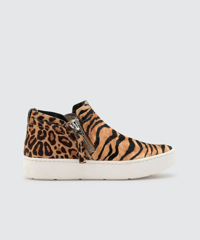 Dolce Vita Tobee Tiger Sneakers In Tiger