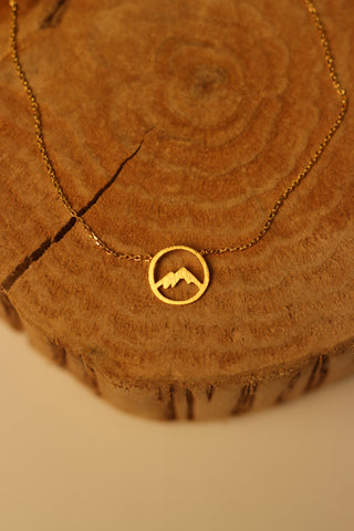 Circle Mountain Necklace In Gold