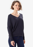 Downtown V-Neck by Lolë, Black