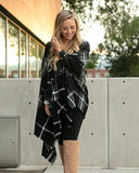 Grace & Lace 'Pocket Poncho Scarf' – Black White