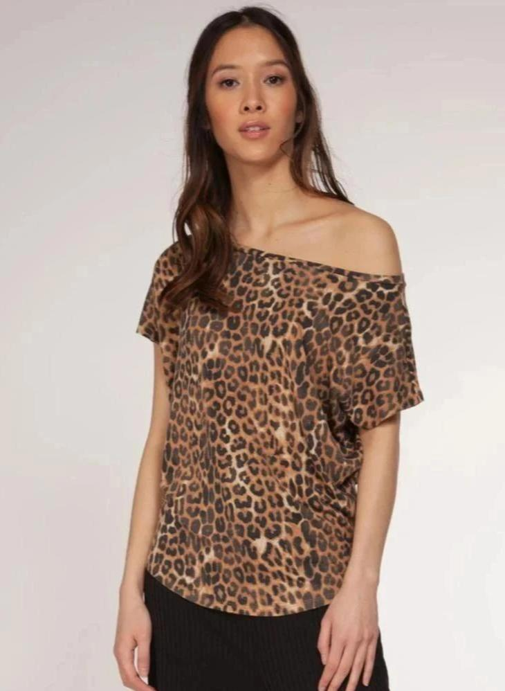 Wide Neck Tee in Dark Leopard