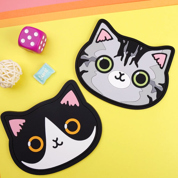 Coaster - Black and White Cat