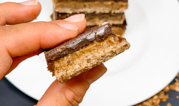 Healthy No-Bake Vegan Twix Bars With A Superfood Crust
