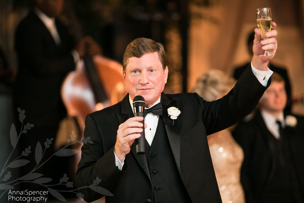 11 Tips How to Give a Great Best Man Speech (With Video Example)