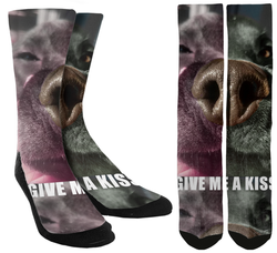 Give Me a Kiss Crew Socks - SockAndShop