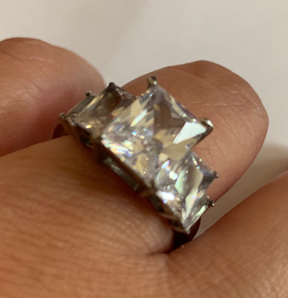 Triple diamond stone ring Stainless Steel - Unleashed Jewelry