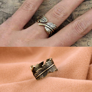 Feather Ring - Cultured Lady