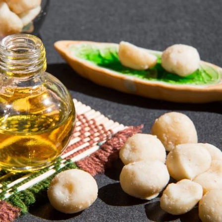 THE BENEFITS OF MACADAMIA NUT OIL