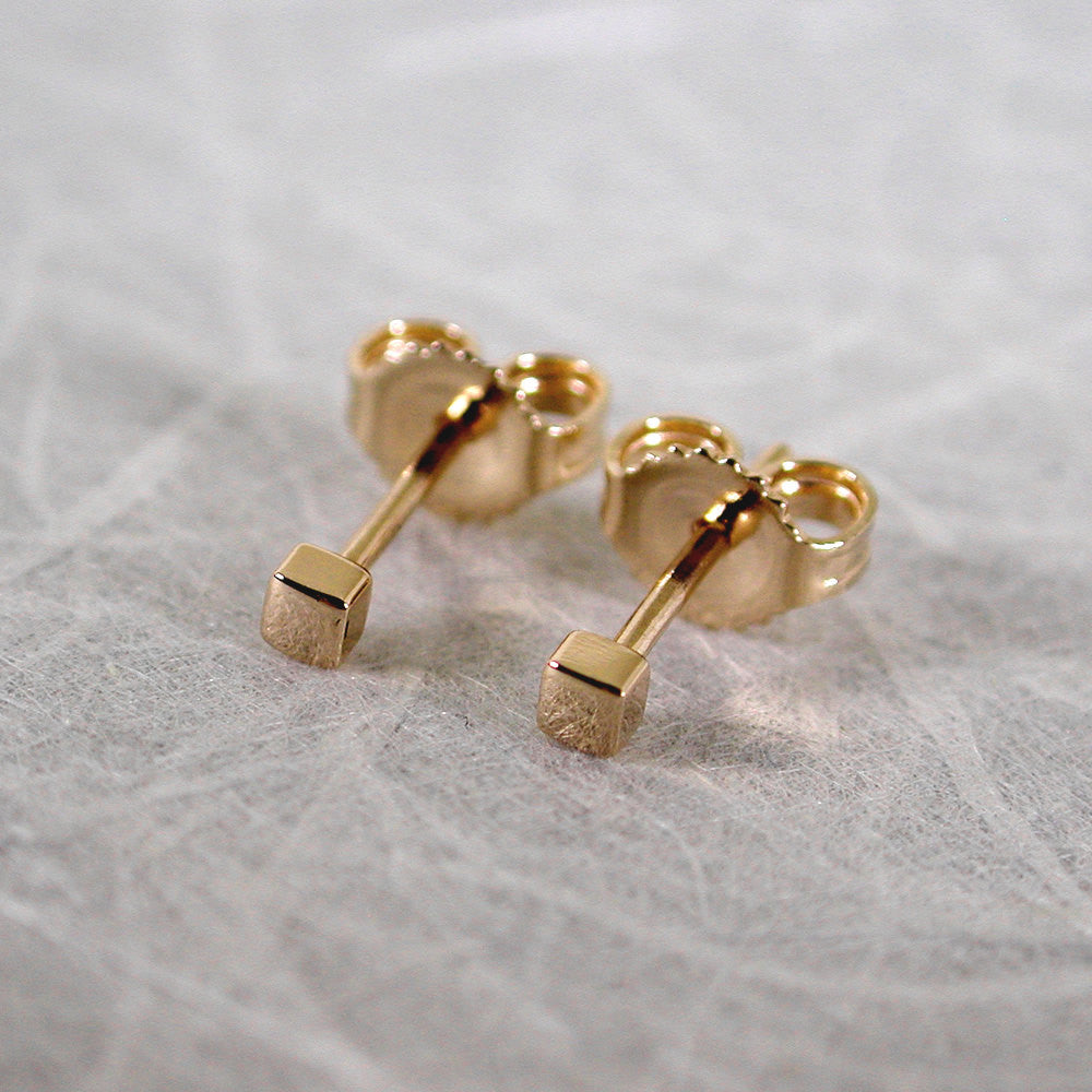 2mm square gold stud earrings 18k yellow gold high polish