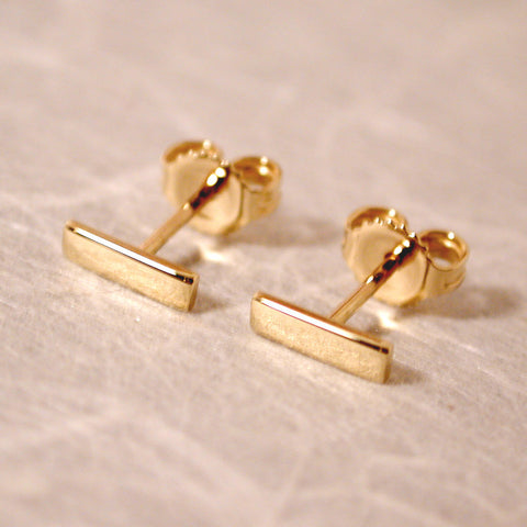 18k yellow gold bar stud earrings 7mm