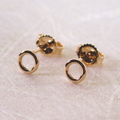 5mm 14k yellow gold open circle stud earrings high polish