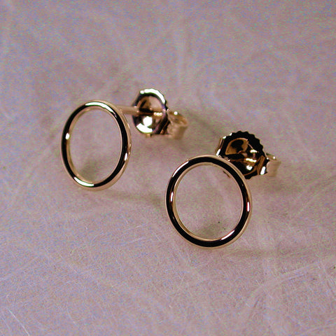 8.5mm 18k yellow gold open circle stud earrings high polish