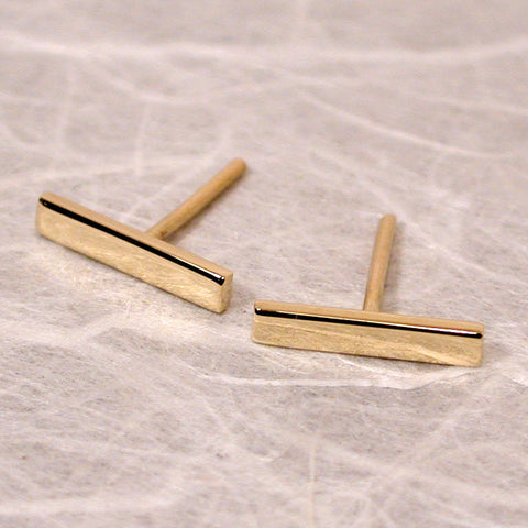18k gold bar earrings 10mm yellow